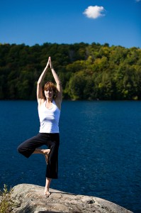 tree-pose-lake45390186